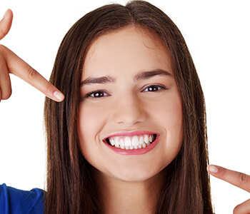 How Does Teeth Whitening Work in Pembroke Pines Area